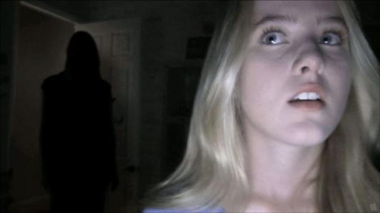 File:Paranormal-Activity-4-Dans-la-salle-c-etait-Bagdad-! portrait w532.jpg