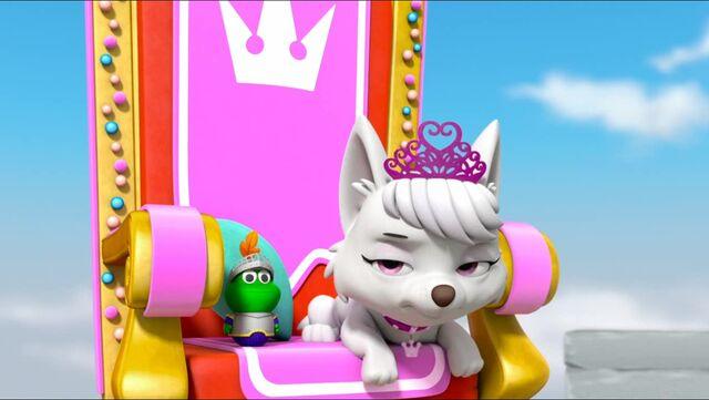 File:Royal Throne 15.jpg