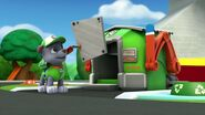 PAW.Patrol.S01E15.Pups.Make.a.Splash.-.Pups.Fall.Festival.720p.WEBRip.x264.AAC 535935