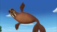 PAW Patrol - Wally the Walrus - Jumping