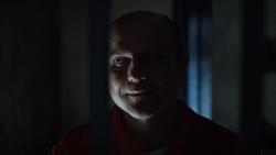 1x19 - Elias in jail