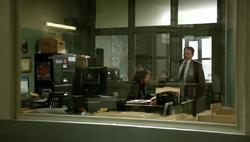 1x09 - Fusco checks Carter
