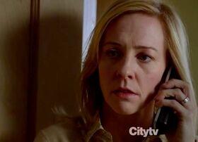 1x13 - Leslie Powell