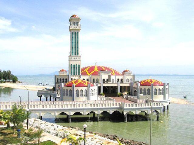 File:Tanjung Bungah Mosque, George Town, Penang.jpg