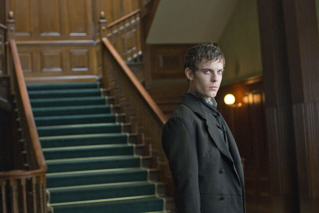 File:Zap-penny-dreadful-season-1-episode-2-seance-p-009.jpg