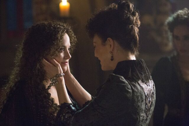 File:Hecate&Eveline stills.jpg