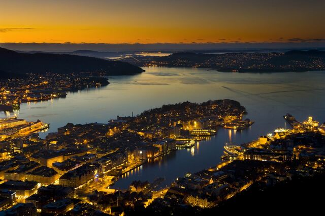File:View over bergen norway.jpg
