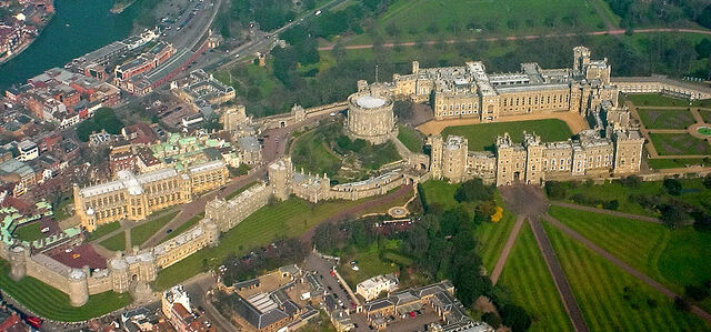 File:Windsor Castle from the Air wideangle.jpg