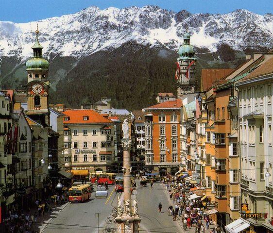 File:Innsbruck-01.jpg