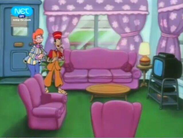 File:Pas living room.jpg