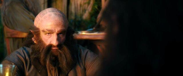 File:Dwalin giving the frown at Kili.jpg