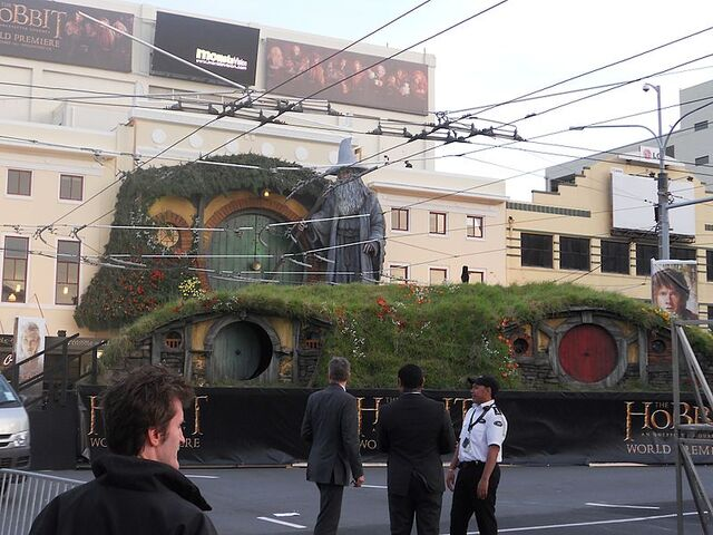 File:The Hobbit - An Unexpected Journey premiere.jpg