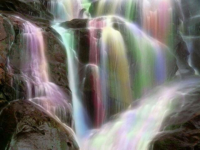 File:Rainbows wallpapers 228.jpg