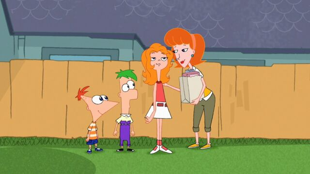 File:Mom likes Candace's new hairstyle.jpg