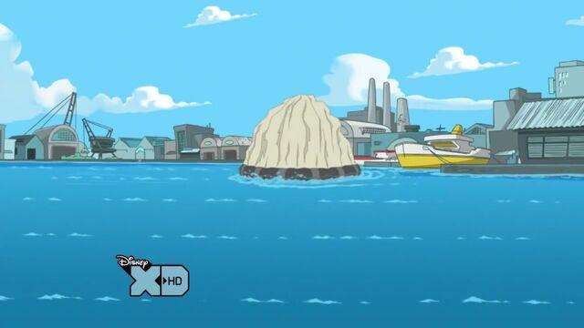 File:Launching Doofania into the water.jpg