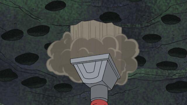 File:Vacuum hose reverses direction.jpg