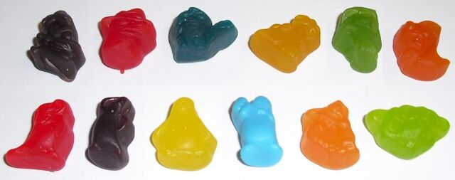 File:Penguins and P&F fruit snacks.jpg