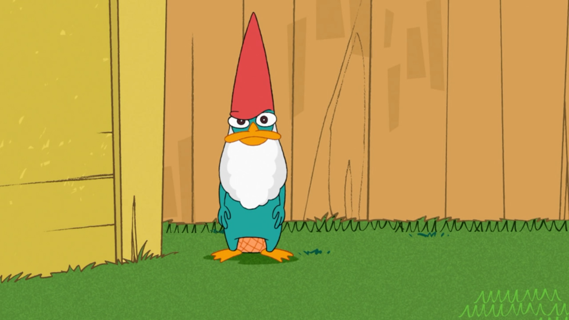 Tập tin:Perry as a lawn gnome.jpg