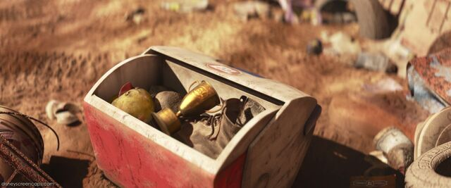 File:WALL-E's cooler with some items collected.jpg