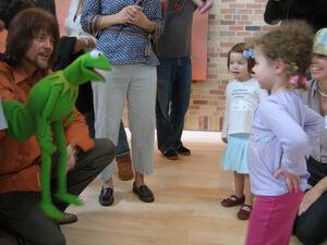 PixarOffices-CindyLouWhoMeetsKermitTheFrog-(2007-03-12)