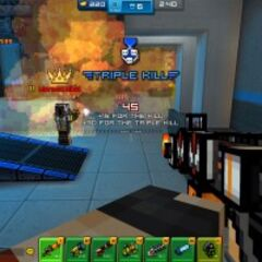 A player obtaining the triple kill achievement. A developer also appeared in the screenshot.