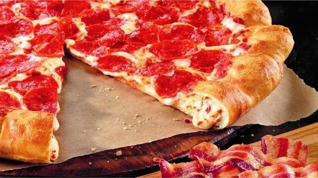 File:Bacon-cheese-stuffed-crust-Pizza-Hut-jpg.jpg