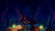 Król Gurumes w swej komnacie