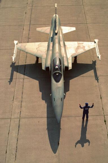 F-20 04