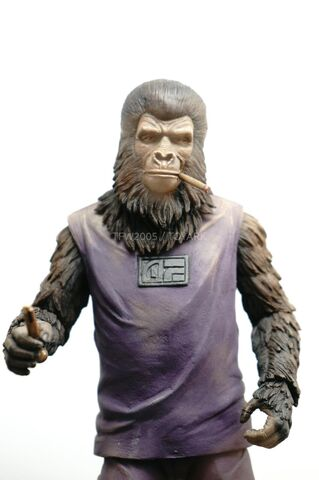 File:NYCC-2014-NECA-Planet-of-the-Apes-007.jpg