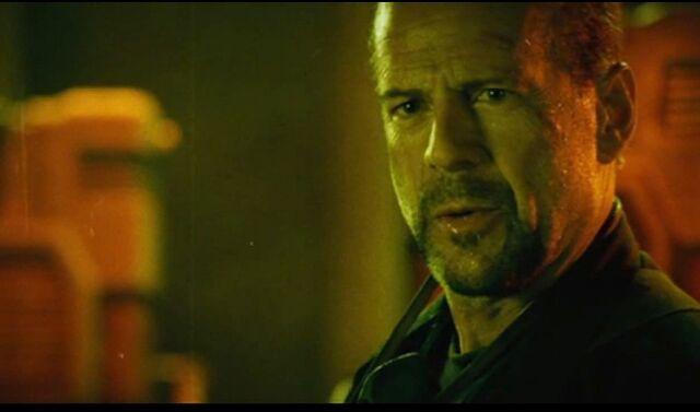 File:Bruce as Muldoon.jpg