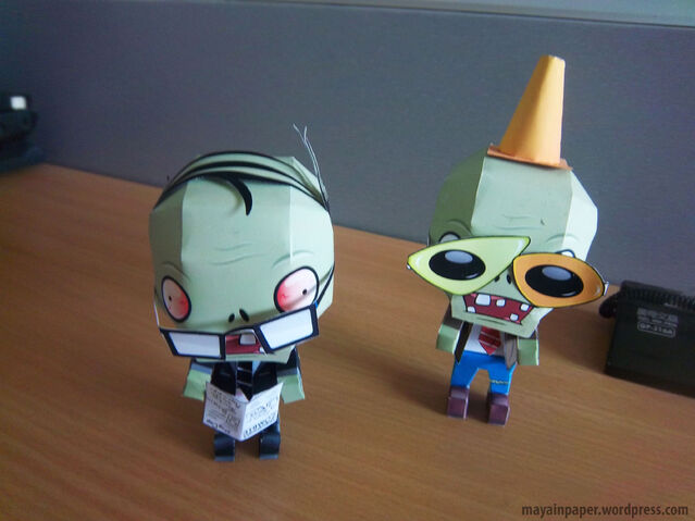 File:Plant vs Zombie Papercraft Newspaper Zombie 3.jpg
