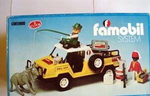 3528-safari jeep in famobil version