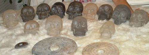 File:Himalayan skulls dropa discs.jpeg