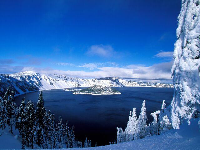 File:Crater-Lake-in-Winter.jpg