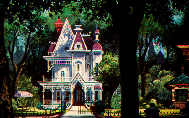 File:Lady's House.jpg