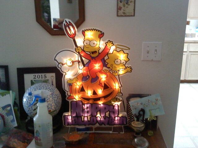 File:Simpsons halloween light up that i ordered online by yakkowarnermovies101-d9b9weq.jpg