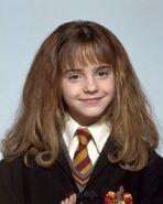 Emma-Watson-Harry-Potter-and-the-Philosopher-s-Stone-promoshoot-2001-anichu90-17189106-476-595