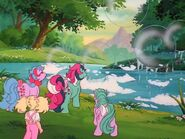 Fizzy (My Little Pony 'n Friends) create bubbles
