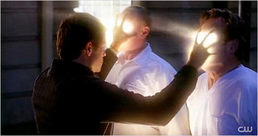 File:Supernatural Castiel kills demons by touch.jpg