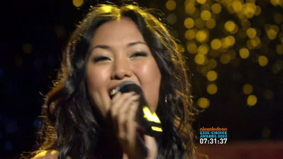 File:SS Mia singing.jpg
