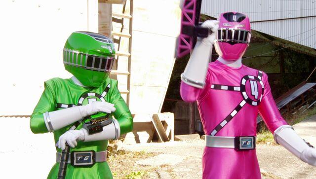 File:Starting Station - Green & Pink Swap.jpg