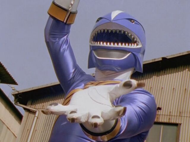 File:Hyakujuu Sentai Gaoranger GaoBlue 01.jpg
