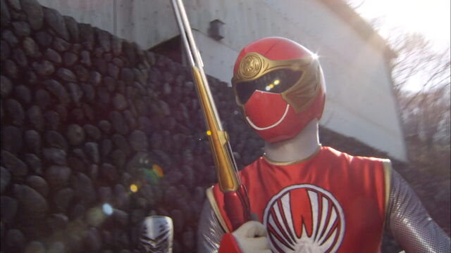 File:Gokaiger Ep. 12 - HurricaneRed.jpg