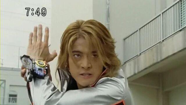 File:SentaiTransformationsbatchB039.jpg