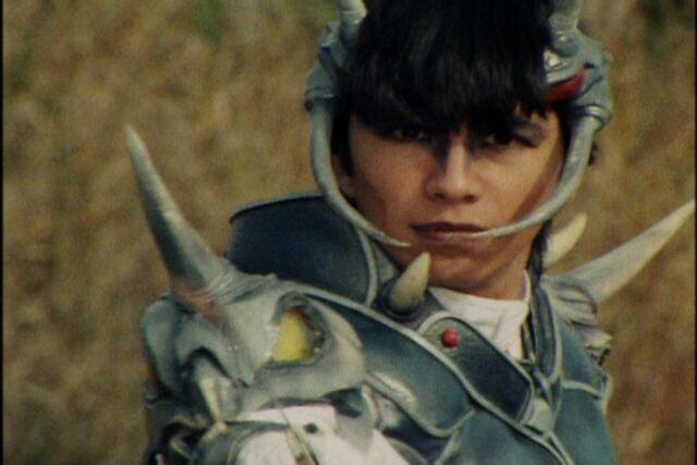 File:Maskman Akira EmperorFencerUnas.jpg
