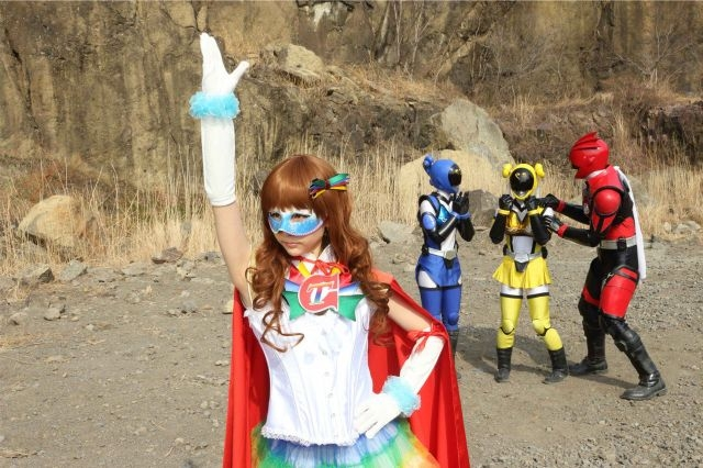 File:Delusional Niangniang Akibaranger with Who.jpg