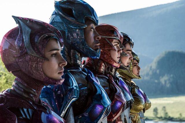 File:Power-Rangers-2017-Movie-Suits-768x511.jpg