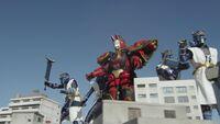 Red Kyuubi and Senkarage.jpg