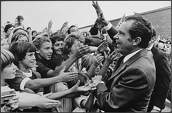 File:Richard Nixon greeted by children during campaign 1972.png