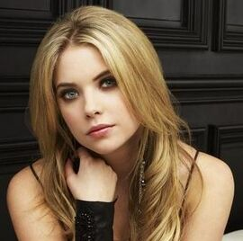 Pretty-Little-Liars-Ashley-Benson-Hanna-Marin